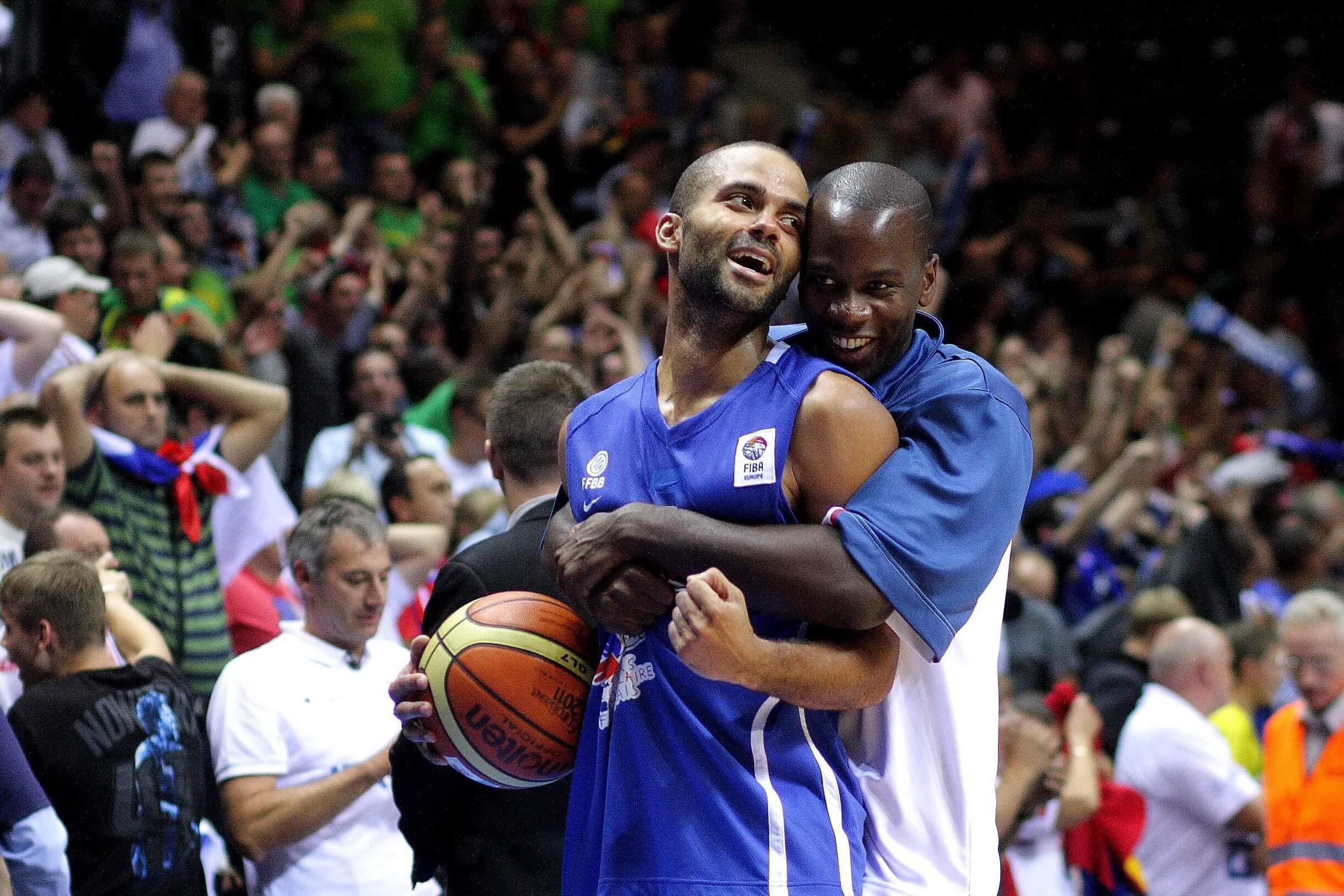 Prantsusmaa viimaste aegade suurim korvpallistaar Tony Parker tähistab võitu Serbia üle (05.09.2011)